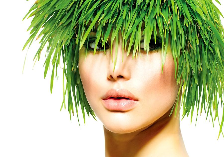 capelli e trucco verde
